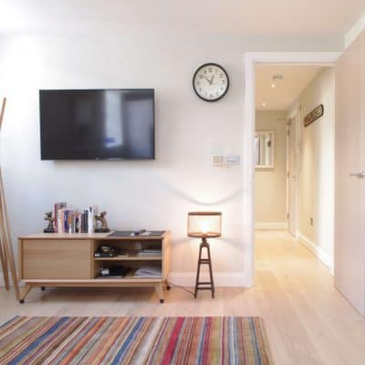 Short let London one bedroom apartment in Shoredtich.