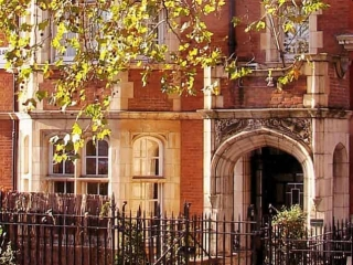 Short let apartment rentals London